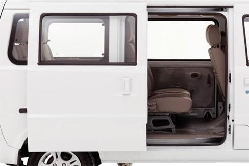 Chevrolet N300 Pasajeros - Puerta lateral de tu van de pasajeros
